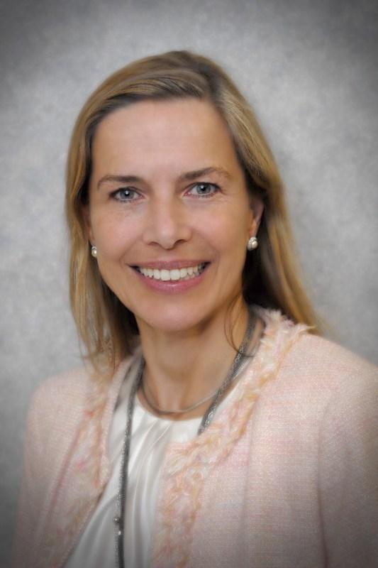 Dr Agnes Fogo